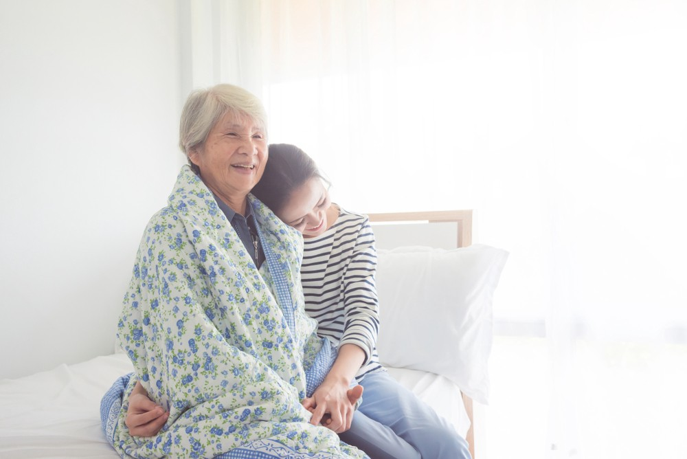 4 Cara Merawat Orang Tua yang Sudah Lanjut Usia